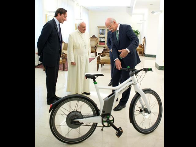 bicicleta_papa_francisc