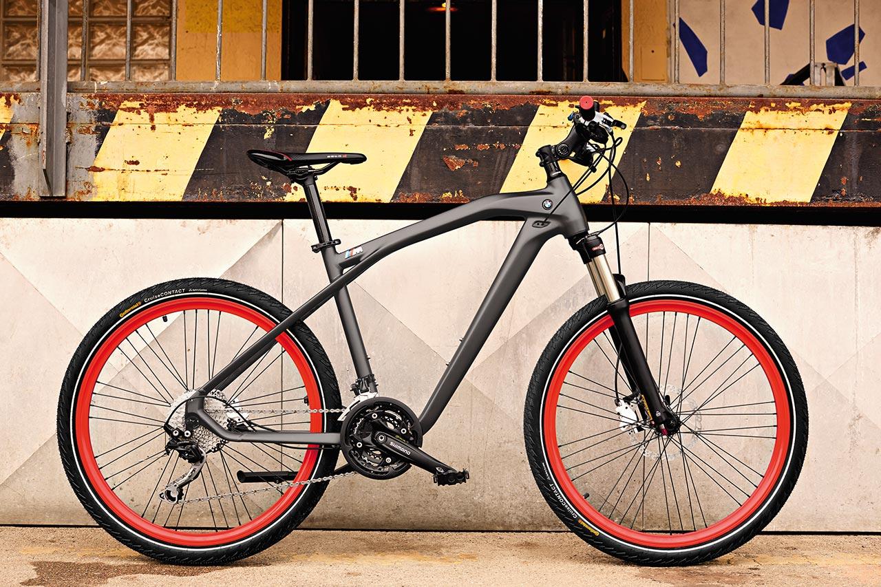 M-ul din denumirea modelului nu cred că mai reprezintă o necunoscută pentru  nimeni. Culorile bicicletei sunt într-adevăr o combinație reușită e5ea94764cc