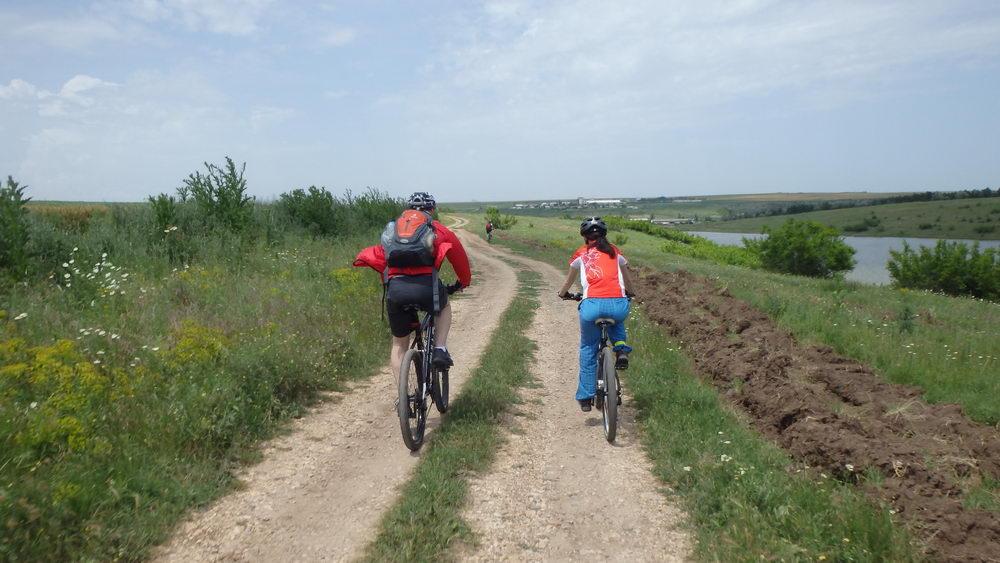 traseu cicloturism triatlon fara asfalt 2 mai vama veche 09