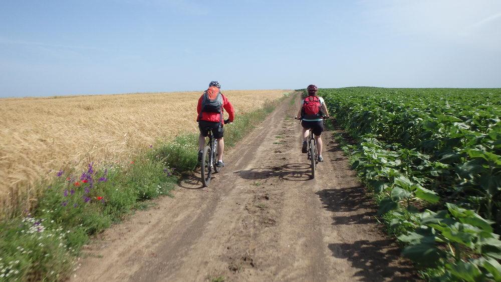 traseu cicloturism triatlon fara asfalt 2 mai vama veche 10