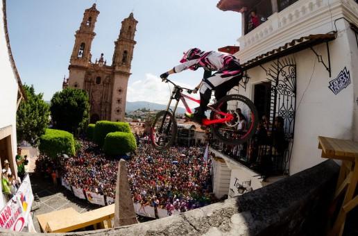 Finalele de la Taxco Urban Downhill 2014