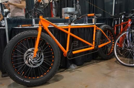 Fat bike-urile nu erau suficient de mari. Acum avem tandem fat de la Santana