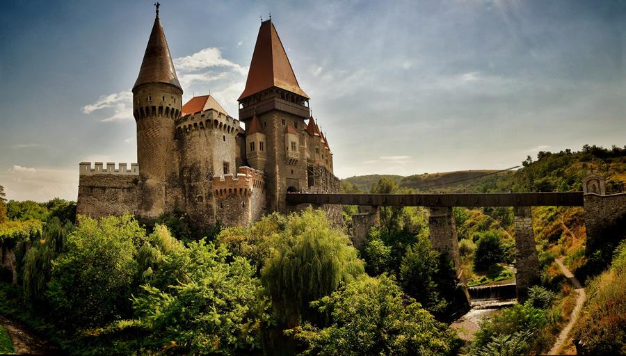 castelul-huniazilor-locuri-din-romania
