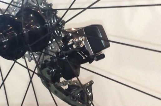 Se ivesc mai multe detalii despre setul electronic de șosea SRAM