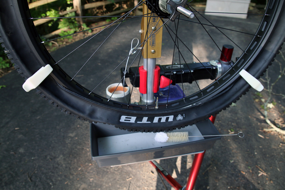 Tubeless-Solutions-Tubeless-Tower-tire-station-23