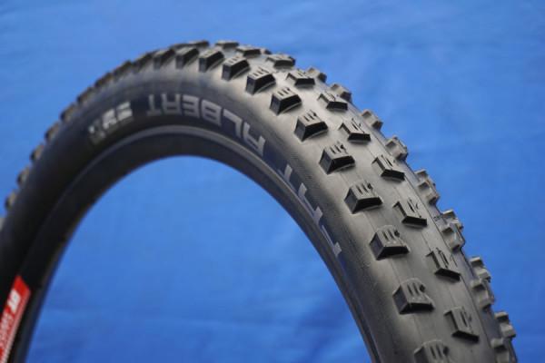 2016-Schwalbe-Fat-Albert-front-enduro-mountain-bike-tire01-600x400