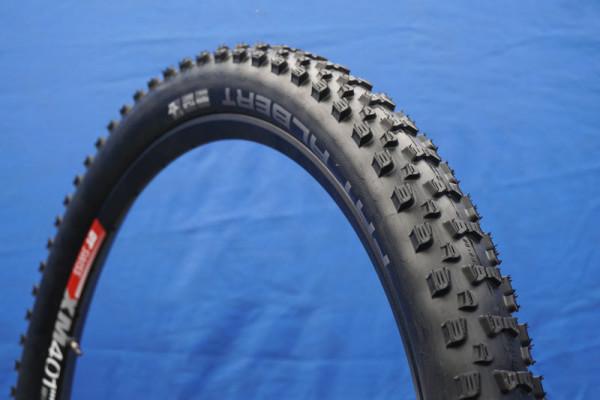 2016-Schwalbe-Fat-Albert-rear-enduro-mountain-bike-tire01-600x400