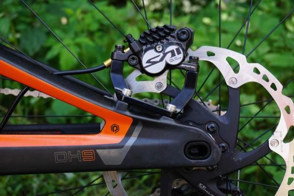 2016-polygon-collosus-DH9-downhill-mountain-bike06-600x400