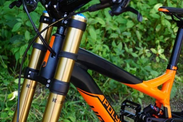 2016-polygon-collosus-DH9-downhill-mountain-bike08-600x400