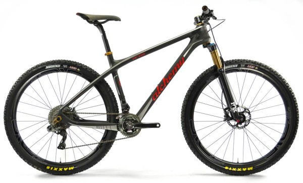 alchemy-bicycles-oros-custom-carbon-fiber-hardtail-mountain-bike-600x363