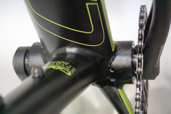 2016-Cannondale-FatCAAD-alloy-fat-bike-with-Lefty-Olaf-fork09-600x400