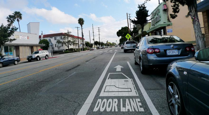 Door Lane (CC BY-NC 2.0 licensed by Gary Cavanaugh Flickr)