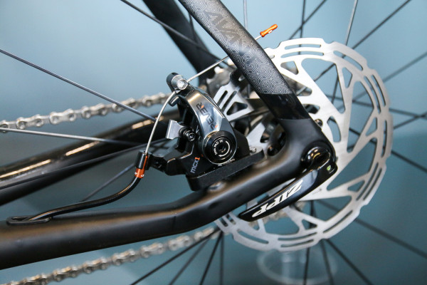 rever-flat-mount-mechanical-disc-brake-3-600x400
