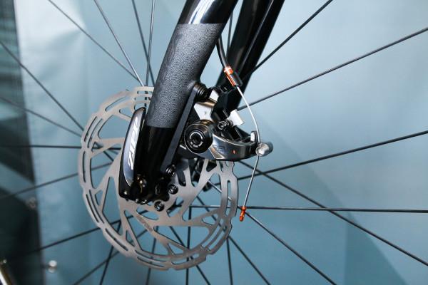 rever-flat-mount-mechanical-disc-brake-4-600x400
