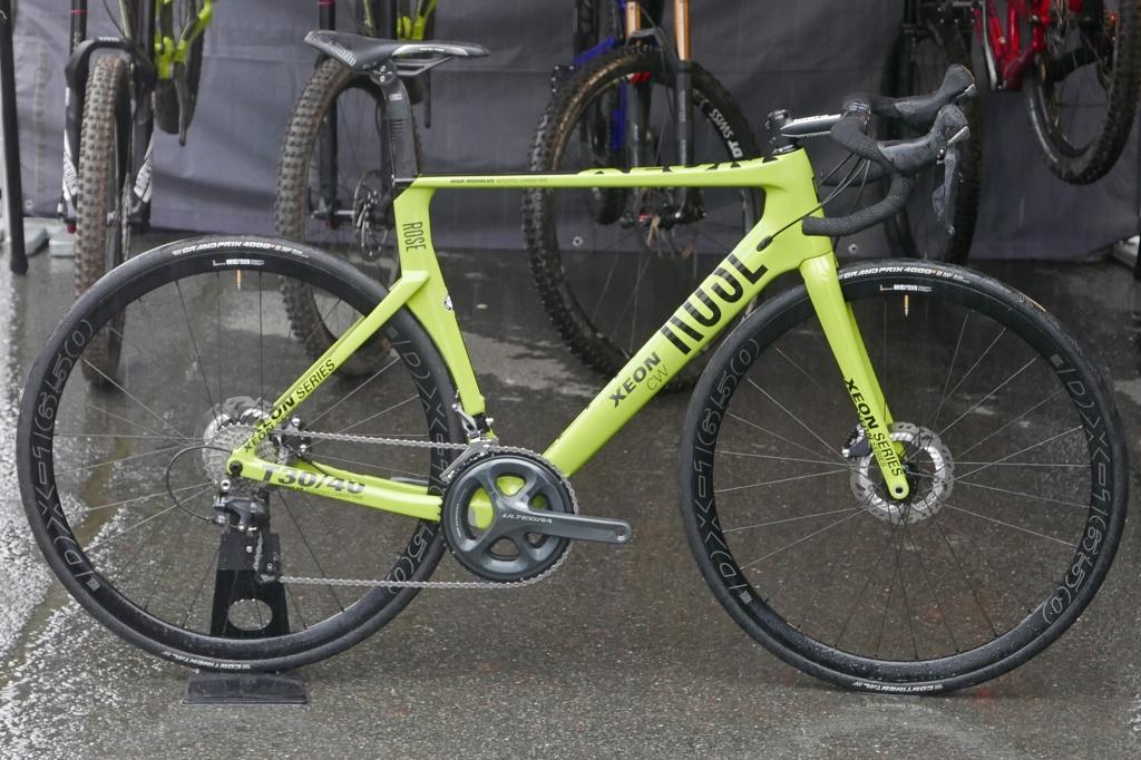 Rose_Xeon-CWX_carbon-disc-brake-aero-road-bike_driveside