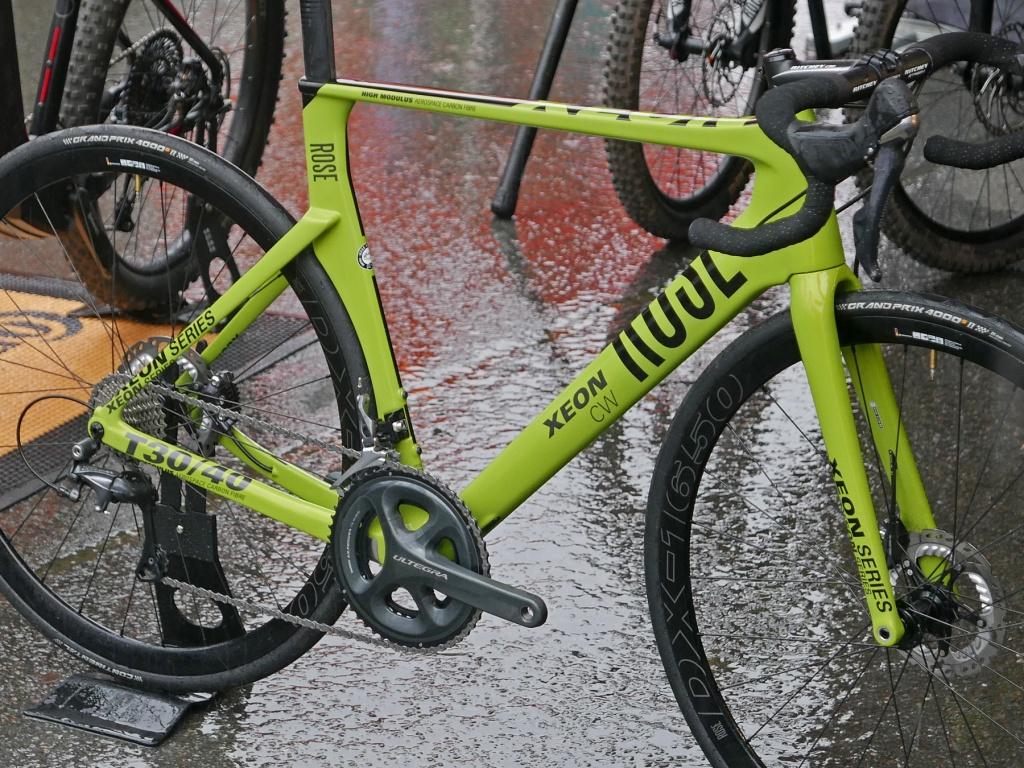 Rose_Xeon-CWX_carbon-disc-brake-aero-road-bike_frame