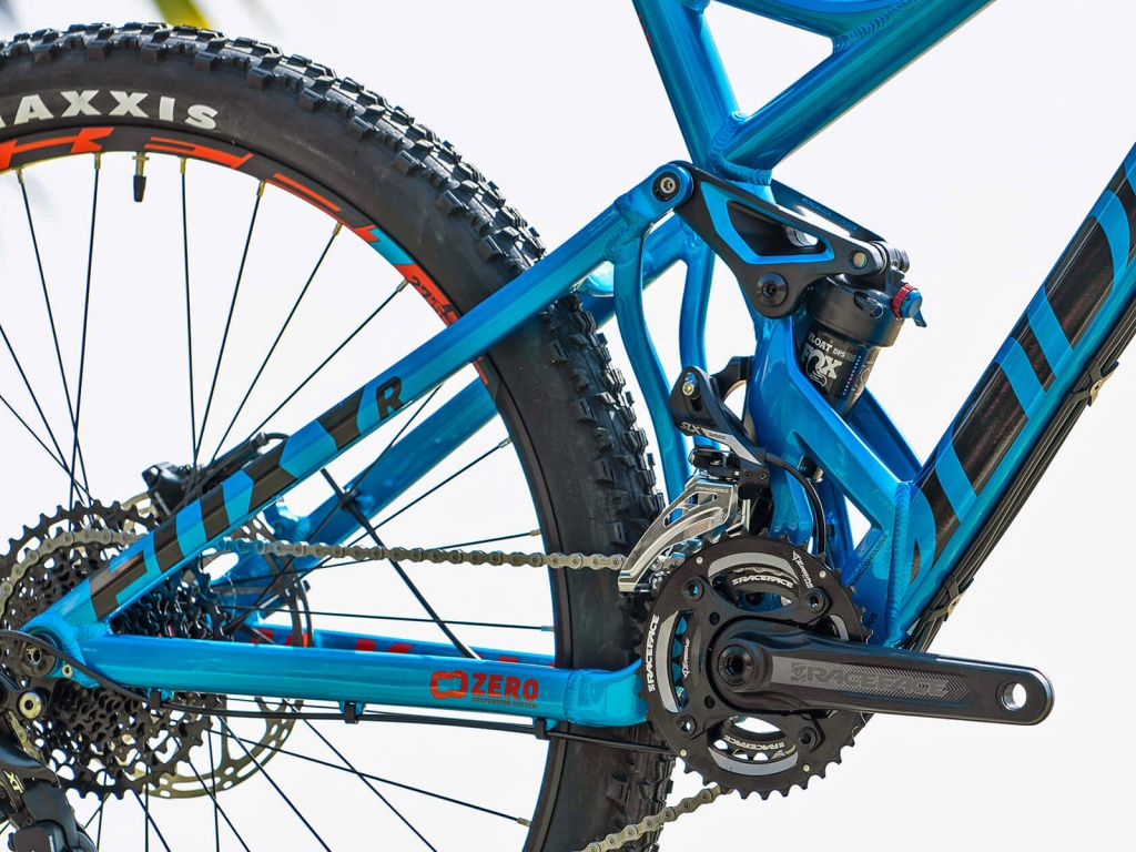 Mondraker_Foxy-Alloy_aluminum-140mm-full-suspension-all-mountain-mountainbike_driveside-rear-end