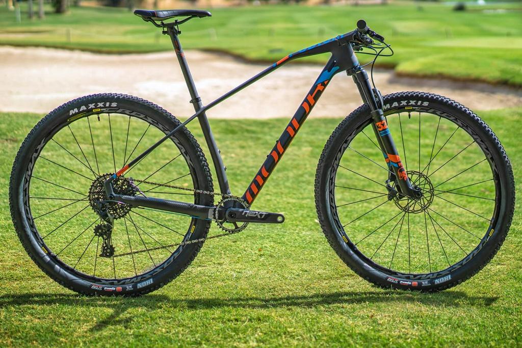 Mondraker_Podium-Carbon-RR_carbon-xc-race-hardtail-mountainbike_complete