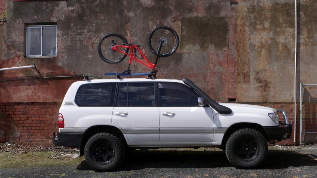 Upside-Racks-universal-roof-rack-bike-system-2