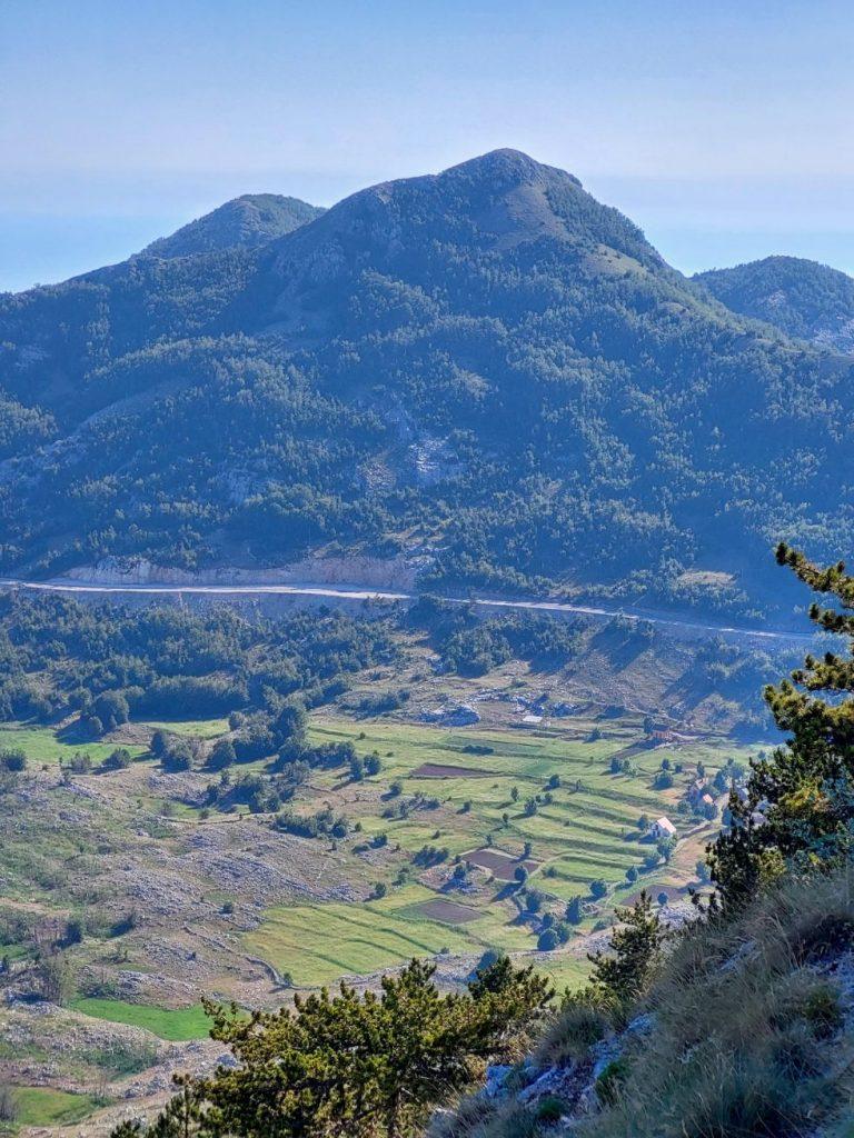 Drumurile serpuitoare de pe platoul Lovcen